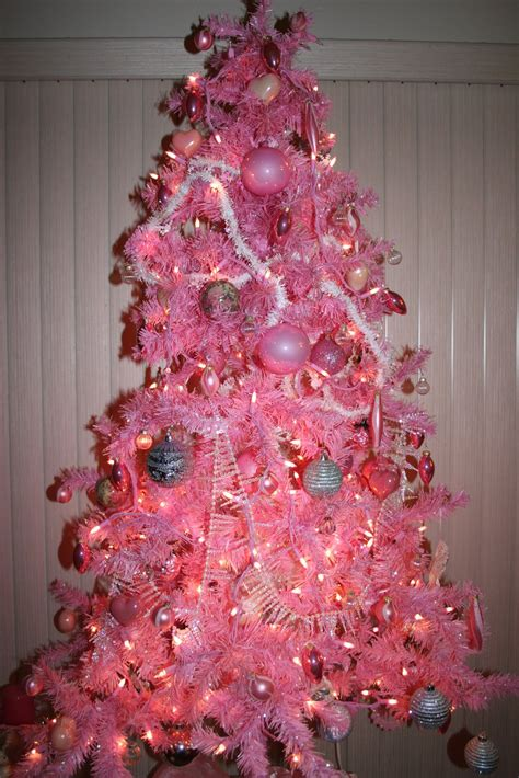 think pretty n pink pink christmas tree with pink lights