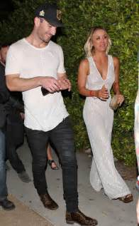 Are kaley cuoco and sam hunt dating celebs spark romance rumors after