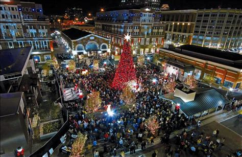 atlantic station tree lighting 2017 weekend of holiday events shopping more atlanta