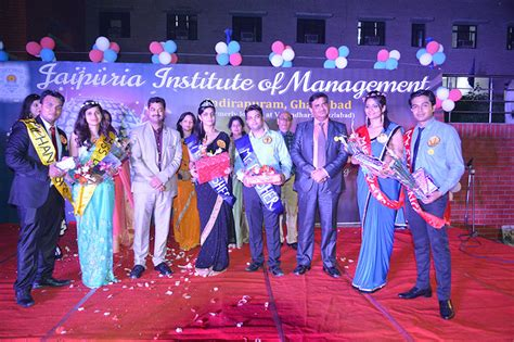Mba Partying by Aaghaaz The Welcome For The Year Students Of