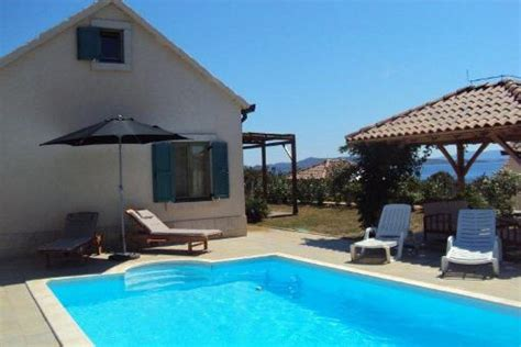 Haus Kaufen Mit Pool Schweiz by Haus Ugljan Familienheim Auf Der Insel Ugljan In Kroatien