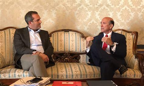 consolati a napoli l ambasciatore eisenberg ha incontrato il sindaco di