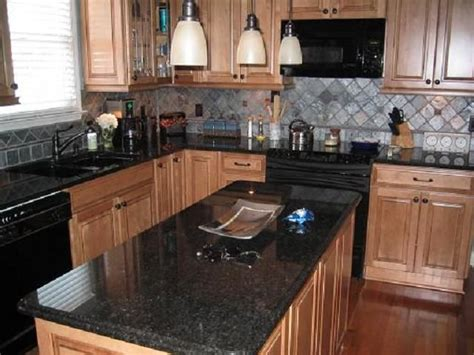 Black Granite Kitchen Countertops 1000 Ideas About Black Granite Countertops On Nantucket Style Homes Black Granite