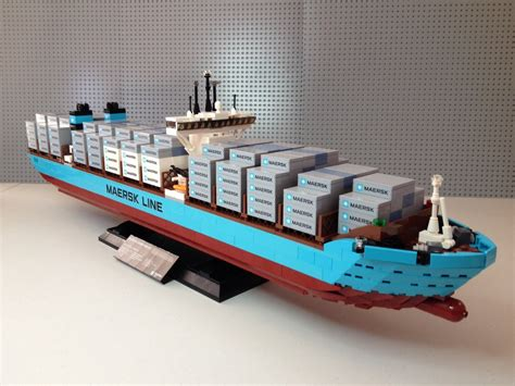 Lego Exclusive Maersk Line E 10241 lego maersk line e container vessel set 10241 review