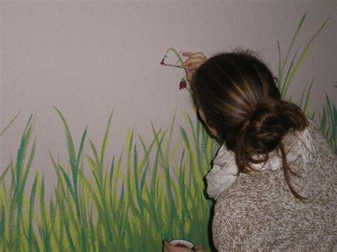 Gras An Die Wand Malen by Kinderzimmer Wiese Malen Bibkunstschuur