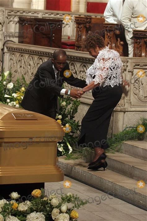photos and pictures luther vandross funeral services
