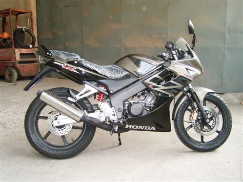 new honda cbr 150cc new honda 150cc bike has made an appearance in