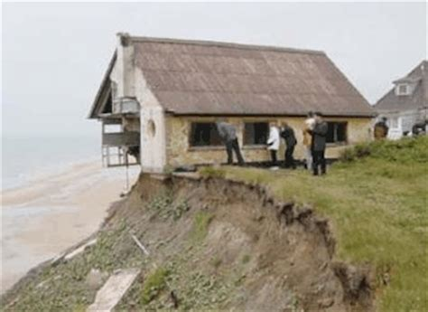 houses falling off cliffs house falling off cliff こんなお家に住んでみたい naver まとめ