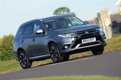 Outlander Auto by Mitsubishi Outlander Pictures Auto Express