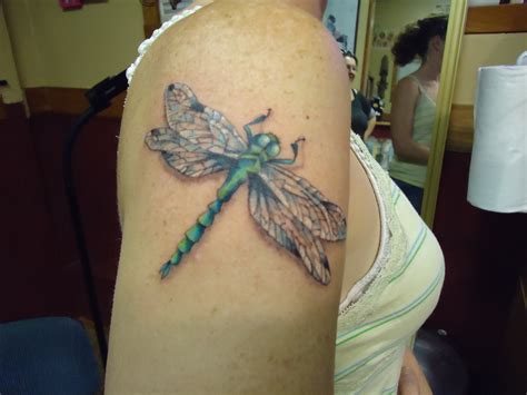 tattoo dragonfly 15 stunning dragonfly tattoos me now