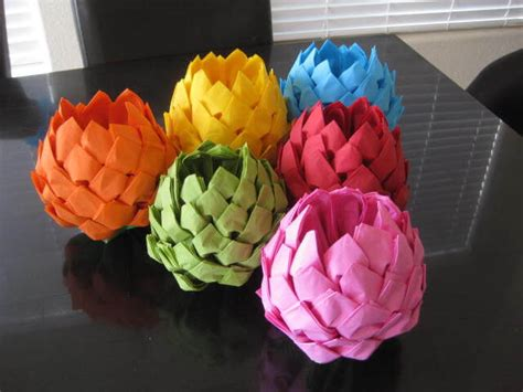 Fold Joss Paper Lotus Flower - 10 baby shower napkins to wow your guests