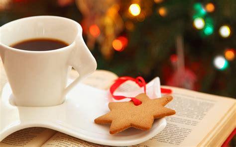 coffee christmas wallpaper cup coffee cookies star book lights bokeh christmas