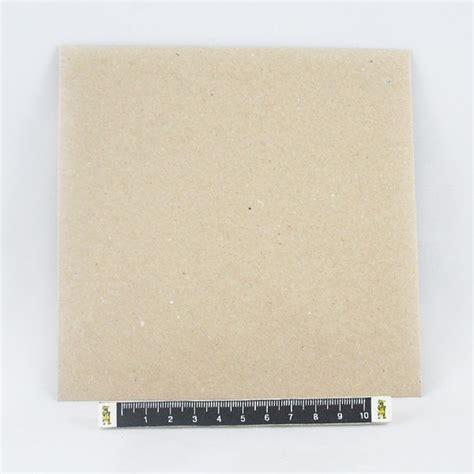 sobre cuadrado sobre cuadrado de papel kraft batall 243 n
