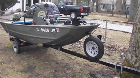 unusual 14 grumman center console jon boat youtube - Adding Console Jon Boat