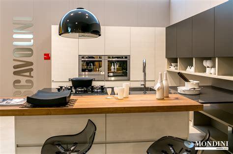 cucine ad angolo con isola cucina con isola scavolini modello motus scontata 41