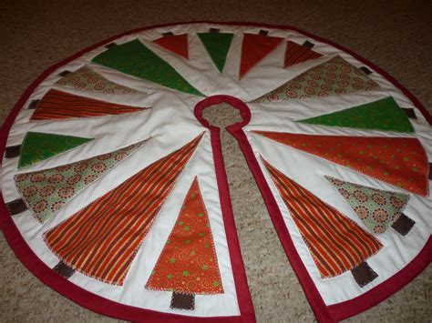 Patchwork Tree Skirt Pattern - the best in the world quilted tree skirt