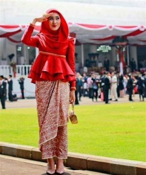desain baju batik cople 47 best desain baju muslim terbaru images on pinterest
