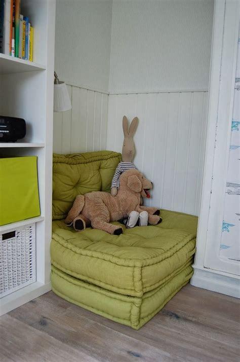 große hängematte grau wandfarbe schlafzimmer
