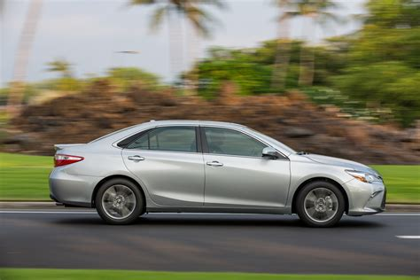toyota camry 2017 2017 toyota camry adds more value for the same price 62