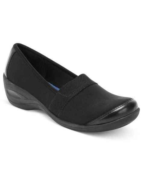 macy s comfort shoes aerosole sandals easy spirit sandals at macy s