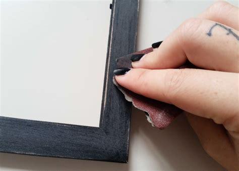 dipingere cornici come decorare un portafoto con fiori e colori acrilici