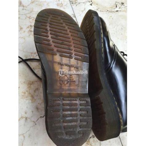 Sepatu Merk Dr Martens sepatu merk dr martens hitam bekas ukuran 43 made in