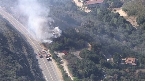 Sigalert Pch Malibu - brush fires burn about 5 acres in malibu off kanan dume