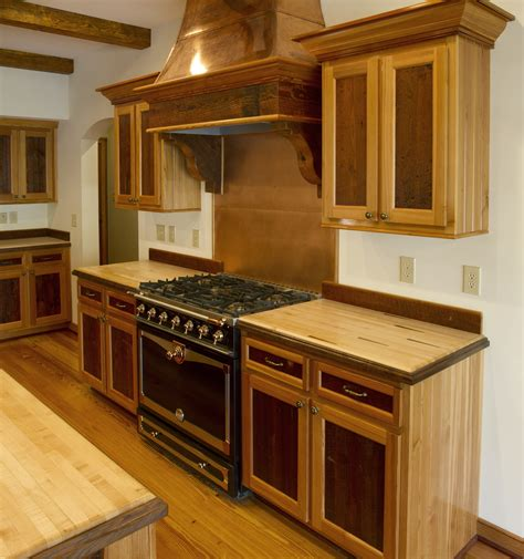Kitchens With Wood Cabinets E T Wood News Antique Reclaimed Wood News And Updates