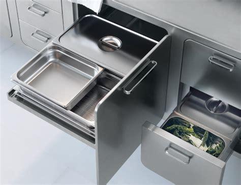 Rak Piring Stainless Untuk Kitchen Set a stainless steel kitchen designed for at home chefs design milk