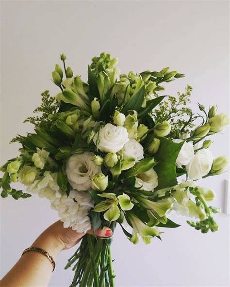 Same Day Floral Delivery by Best 25 Send Flowers Ideas On Same Day