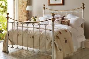 White Iron Beds by Juniper White Metal Bed And So To Bed