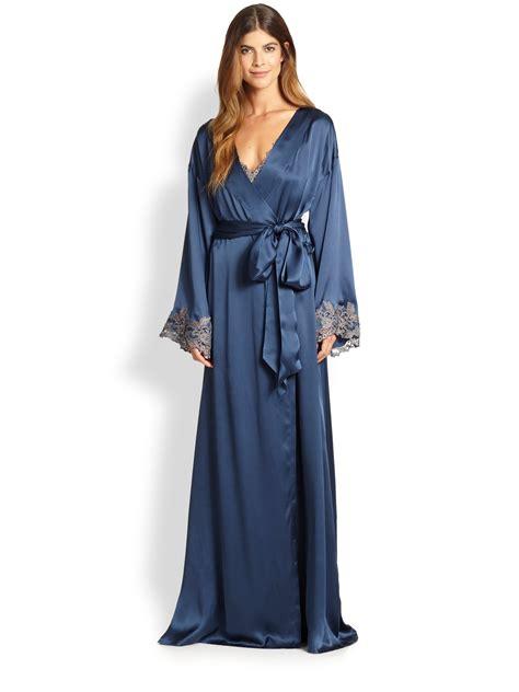 silk robe la perla vestaglia lunga silk robe in blue lyst