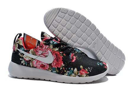Topi Run Nike Run By Fyglory roshe run rosse e nere mozartfest it