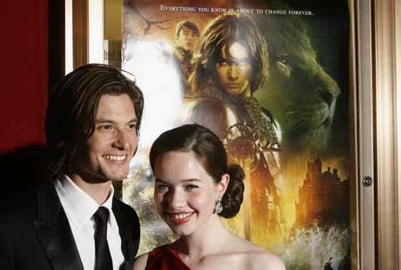 film education narnia british actors anna popplewell and ben barnes arrive for