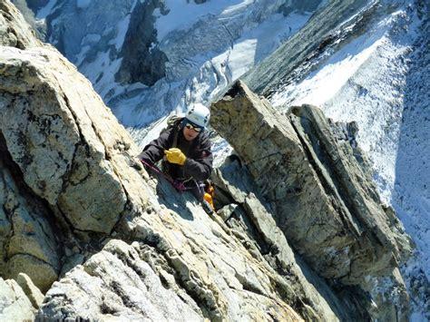 Eiger Traverse 1 2 Blue guided alpine climbing in switzerland