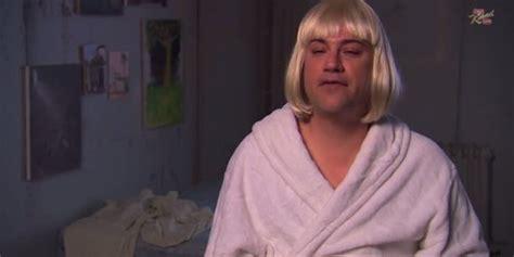 Chandelier Comedian Jimmy Kimmel Learn The From Sia S Chandelier Huffpost