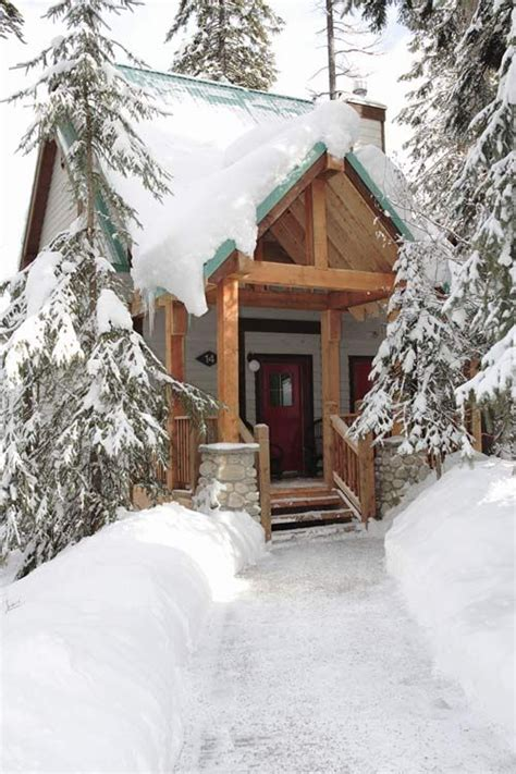 Lakes Entrance Cabins by Cabin Entrance Emerald Lake Bc Winter