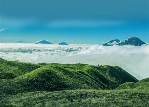 Pesona Keindahan Gunung Prau Yang Sangat Cocok Buat Kamu