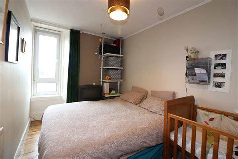 MOUNT VERNON ? 2 Bed Top Floor Flat   A B Property Consultants