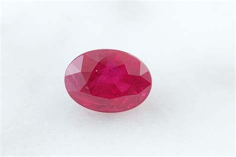 Ruby 6 35ct 1 35ct oval ruby 6 80mm x 5 00mm gem syndicate