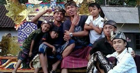 Tri Rna Tiga Jenis Hutang Buku Bali Hindu upacara pembakaran mayat ngaben di bali