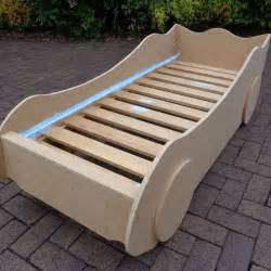 Toddler Car Bed Diy 25 Best Ideas About Race Car Bed On Race Car
