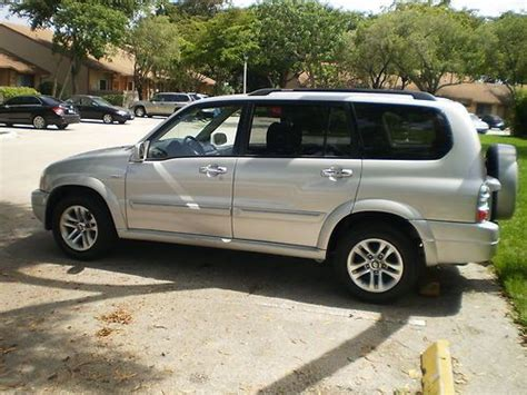 Suzuki 7 Seater Suv Buy Used 2005 Suzuki Xl7 Suv 2 Owners Low And In