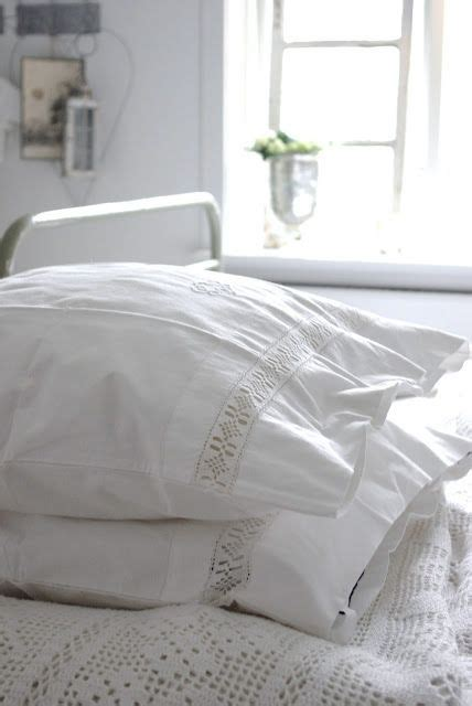 fluffy white bedding 17 best ideas about fluffy white bedding on pinterest