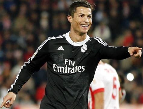 Kodoto Christiano Ronaldo c ロナウドがcl優勝記念し 各同僚に120万円の腕時計を贈る 画ロール