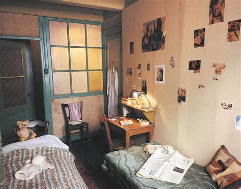 anne franks bedroom holocaust center showcases life of anne frank ou news bureau