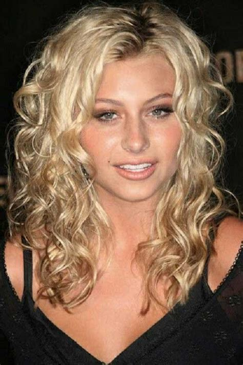 curly hairstyles round chubby faces 20 long curly hairstyles for round faces hairstyles ideas
