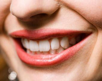 Daftar Pemutihan Gigi 4 buah buahan yang dapat memutihkan gigi