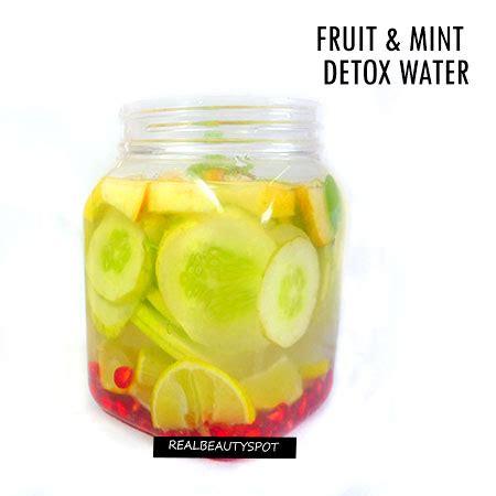 Cucumber Lemon Honey Detox Water by Diy Fruit And Mint Detox Water Theindianspot