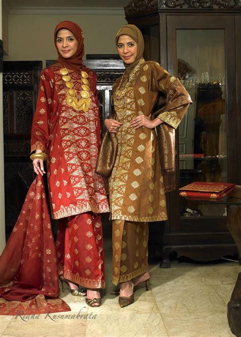 Asal Usul Baju Kebaya Nyonya asal kebaya asal kebaya amywirabudi 187 karena jilbab sanggul akan